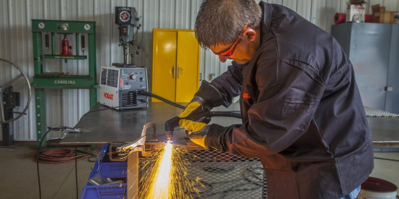 10 Perfect Plasma Cutter Reviews – Check the Ultimate Winner (2018)