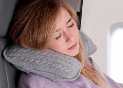 Top 10 Best Travel Pillow Choices — Your Honest Buying Guide in 2019