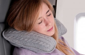 Top 10 Best Travel Pillow Choices — Your Honest Buying Guide in 2017