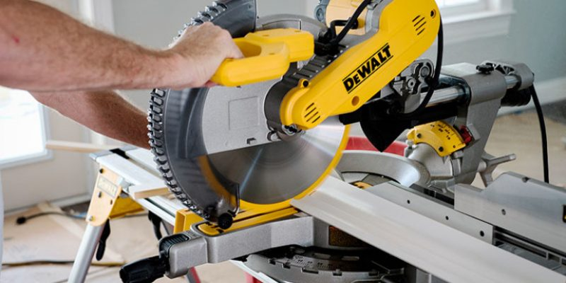 Iconic Dewalt DWS709 Review – All You Need To Know About Its Performance (2019)