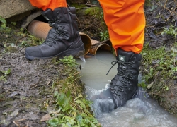 10 Durable Waterproof Work Boots – Reviews and Opinions (2019)