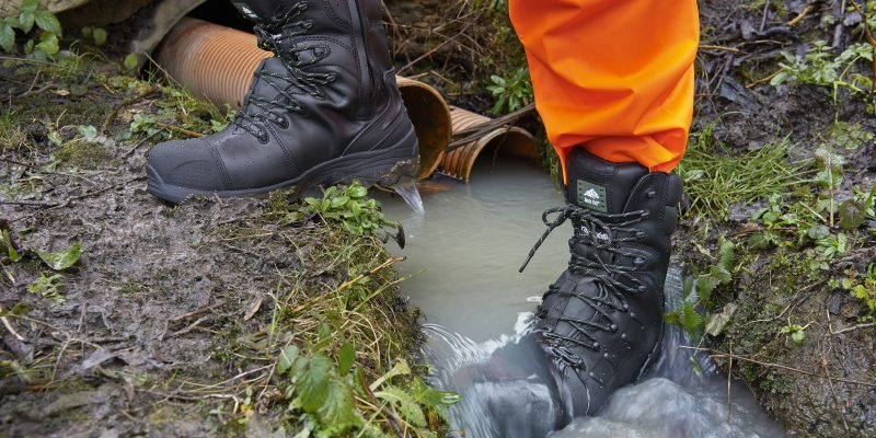 10 Durable Waterproof Work Boots – Reviews and Opinions (2018)