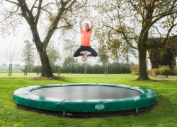 10 Gorgeous Trampoline for Adults – Our Top Reviews (2018)
