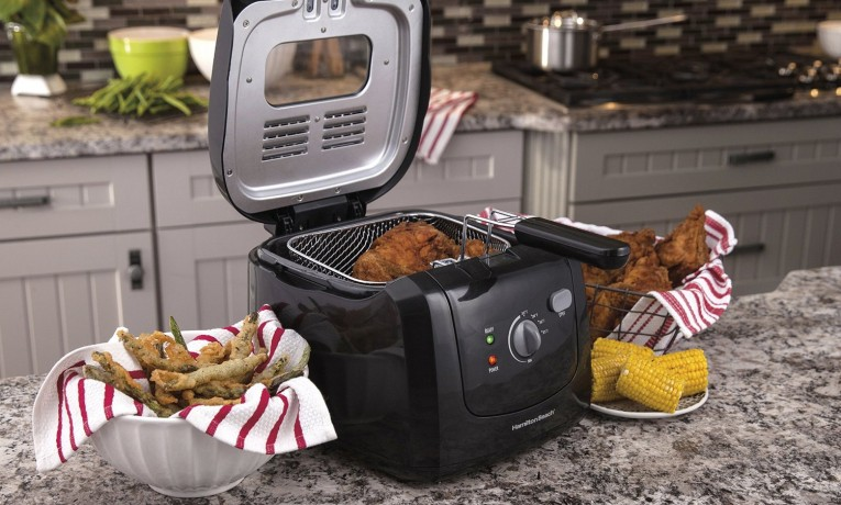 Best Deep Fryers of 2018 — Top 10 Gorgeous Reviews for Your Easy Choice
