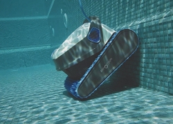 The Best Robotic Pool Cleaner for Your Pool in 2020