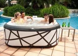 Top 10 Best Inflatable Hot Tub Reviews — Which One to Choose in 2019?