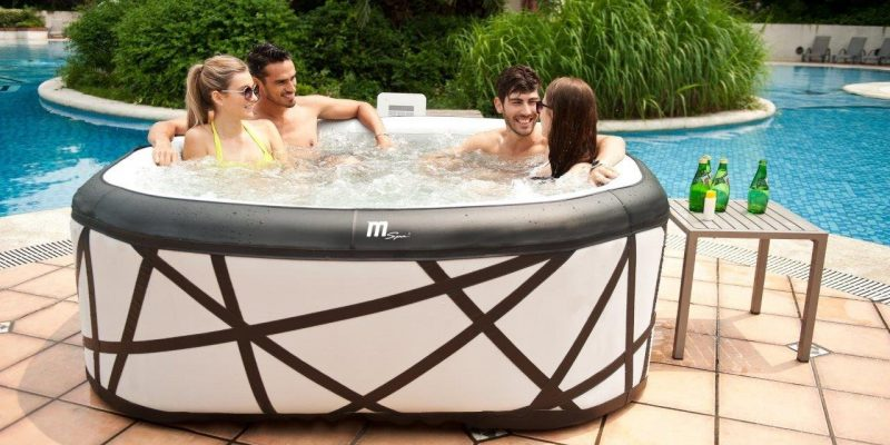 Top 10 Best Inflatable Hot Tub Reviews — Which One to Choose in 2018?