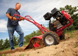 10 Flawless Rototiller Reviews – Keep Your Yard Tidy in 2019