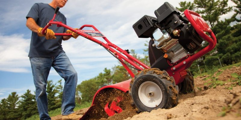 10 Flawless Rototiller Reviews – Keep Your Yard Tidy in 2018